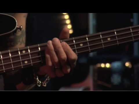 Duff McKagan: Behind the player Trailer