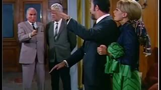 Ayhan Işıklı Cingöz Recai'den bir sahne