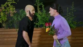 Mihai Bendeac, urmarit de fata cu flori din Centru Vechi