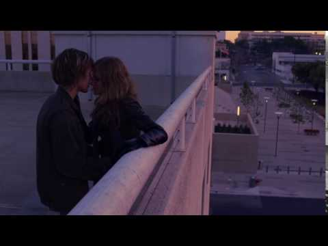 Boyhood : Ellar Coltrane kissing Zoe Graham
