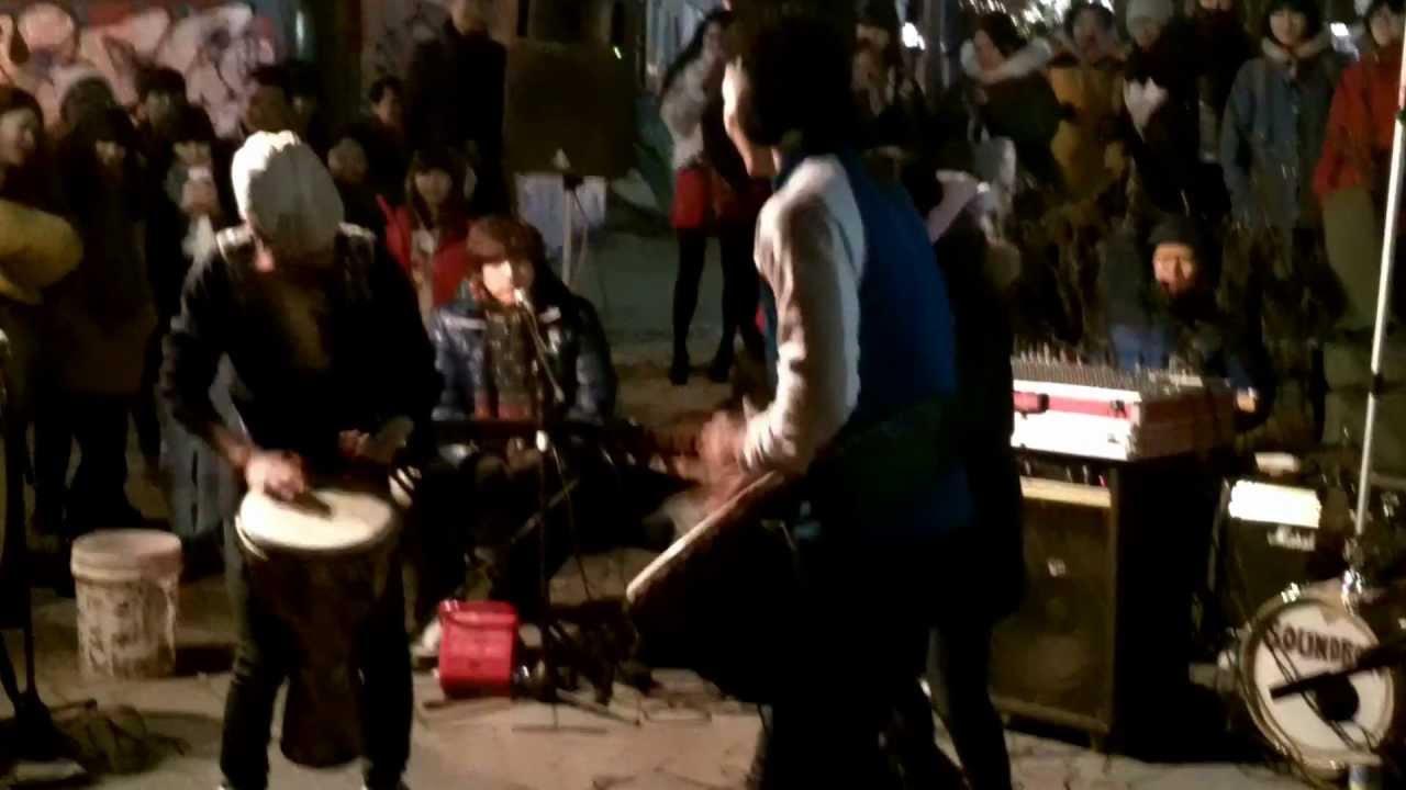 Drum battle at Hongdae Park - Seoul, South Korea