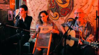 Make Me A Pallet On Your Floor - Pete Harris, Blues Mumma Hume & Jon Vaughan