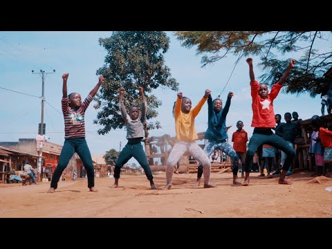 Masaka Kids Africana Dancing Love Generation Ft. Bob Sinclar
