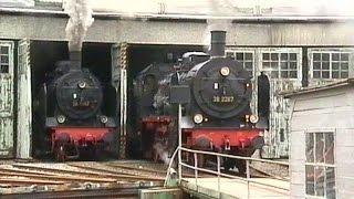 Dampfwolken im Bw-Gerolstein mit Dampflok 38 1182 und Dampflok 38 2267