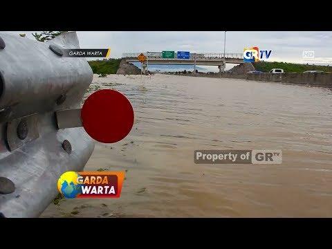madiun---banjir-tutup-akses-jalan-tol-trans-jawa-dan-akibatkan-kecelakaan