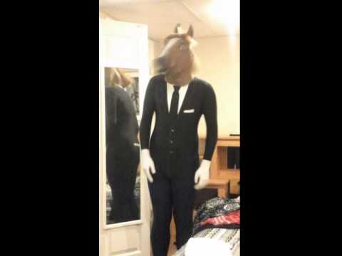 slender man in a horse head mask halloween costume idea - Halloween Costume Slender Man