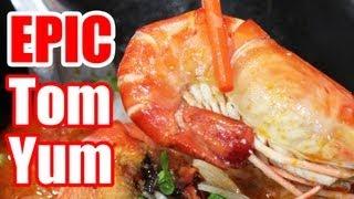 Best In Bangkok - Epic Tom Yum Goong Noodles At P'aor (ร้านพี่อ้อ)!