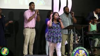 ADC Albanza y Adoración (ADC Worship and Praise)