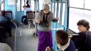 Ржач с бабулей в автобусе ))))   смотреть всем мега прикол ррррполный трэш ржака