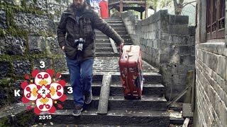 КитайЭтноЭксп II Как правильно переносить чемодан по лестнице