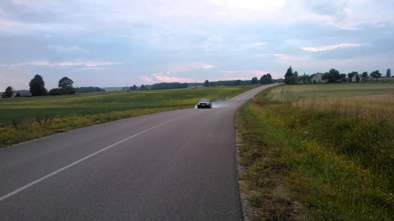 Audi 200 Turbo burnout - YouTube
