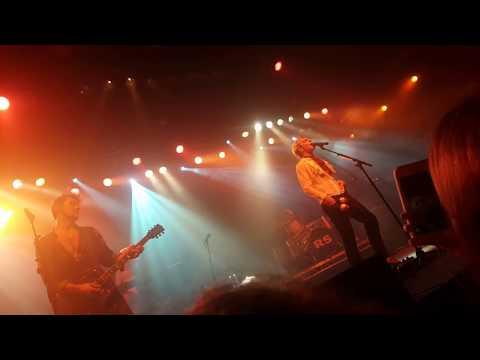 R5 - Hurts Good (Warsaw, Poland - New Addictions Tour 2017)