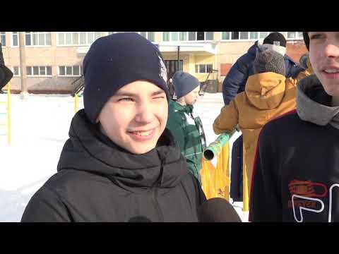 В хоккей играют не только мужчины! В Братске впервые состоялись соревнования по хоккею в валенках ср