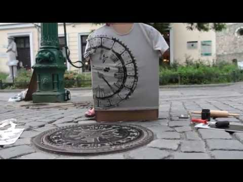 Printing T-Shirts with a Manhole Cover - Berlin