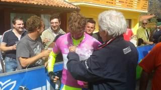 """Spettacolare blitz di Stefano Corti de """"Le Iene"""" al 38° Giro del Trentino"""