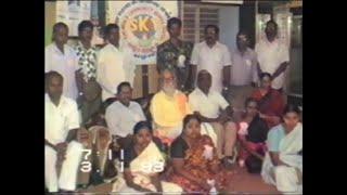 Swamiji Yogiraj Vethathiri Maharishi with Palani Manavalakalai Mandra Anbargal