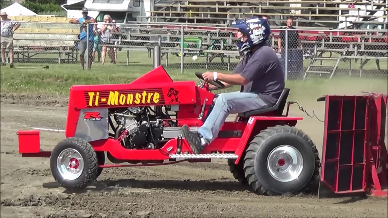 Modified Garden Tractor Pulling @ St-Damase 2016 by ASTTQ