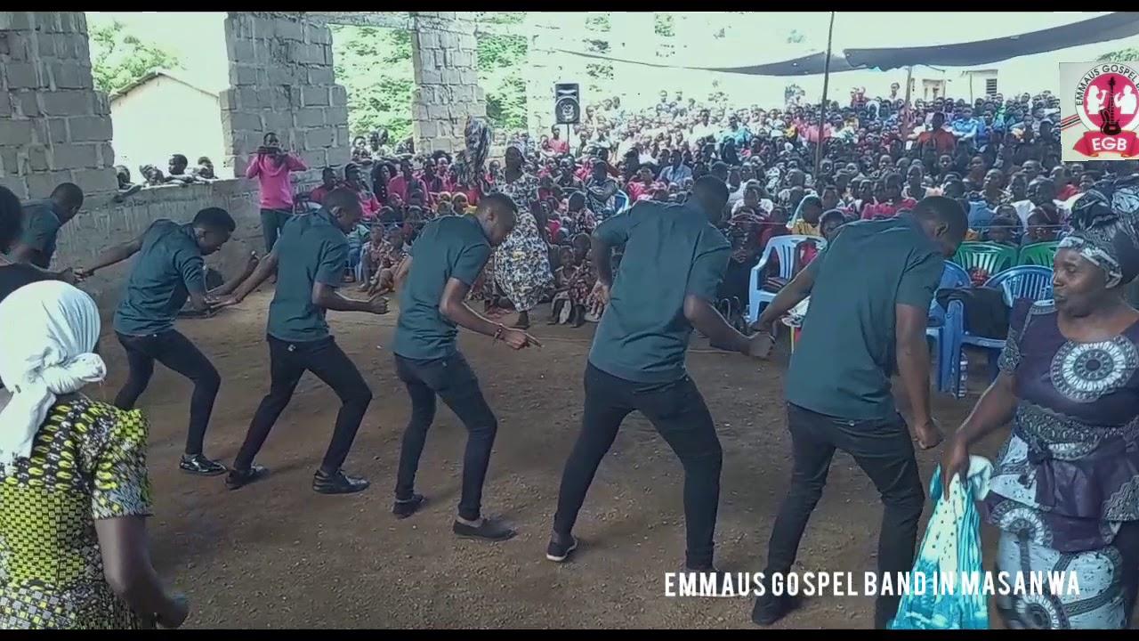 Download EMMAUS BAND TUKIWA LIVE KWENYE MKUTANO MASWA