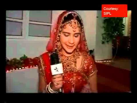 In The Sets Of 'Sabki Laadli Bebo' Where Bebo Flaunts Her Wedding Dress