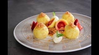 Jahodové knedlíky z tvarohovo-bramborového těsta