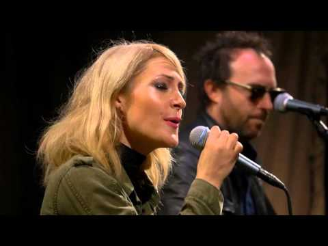 Metric  Breathing Underwater  on KEXP