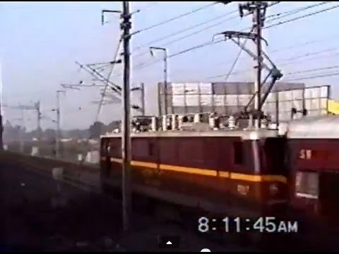 [Metre Gauge] Crossing a YAM1-hauled Train near Tambaram - Nellai Exp. (Dec. 1999)