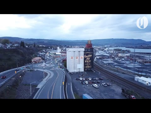 Oregon Winery Opens Drive-in Movie Theater In Its Parking Lot Amid Coronavirus Pandemic