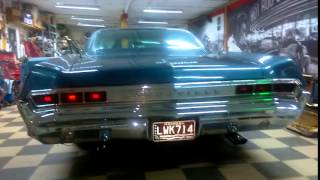 1965 Pontiac Bonneville idling - For Sale