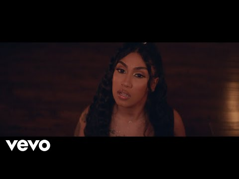Смотреть клип Queen Naija - Good Morning Text