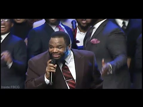 """Every Praise"" Hezekiah Walker live at First Baptist Church of Glenarden"