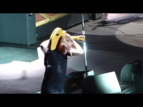 Pearl Jam: Let The Records Play [HD] 2013-10-15 - Worcester, MA