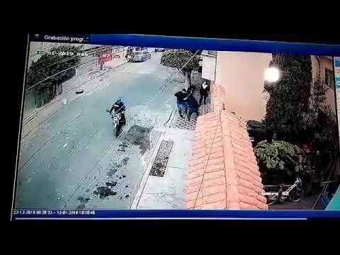 Mujeres enfrentan a ladrones en Neza
