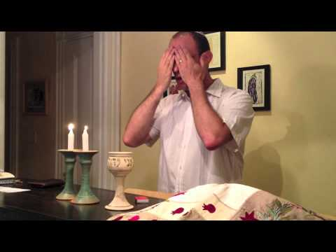 How to say the Shabbat blessings