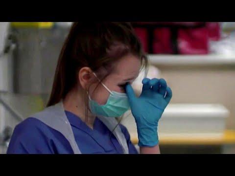 Великобритания переживает по-настоящему черные дни из-за коронавируса.