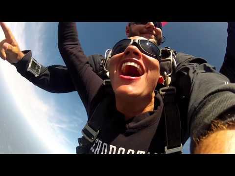 Carmen Santos skydiving