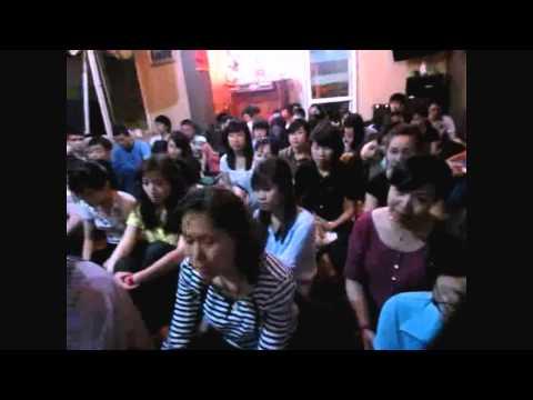 """Thầy Viên Ngộ với pháp thoại """"Sống tử tế với nhau"""" tại Hanoi Vegan 23/3/2013"""