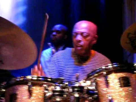 Roy Haynes Quartet: Green Chimneys, Live in Paris 2008 - Complete mp3