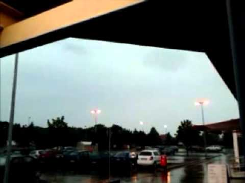 Thunderstorm Torgau 5-7-12.wmv