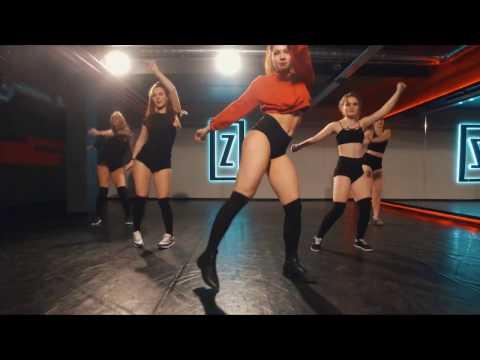 Twerk by AlinaZena Macklemore & Ryan Lewis – Dance Off