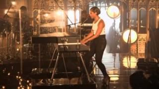 Girl On Fire - Alicia Keys MTV World Stage