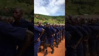 LA POLICE MALIENNE EN DÉMONSTRATION DE FORCE