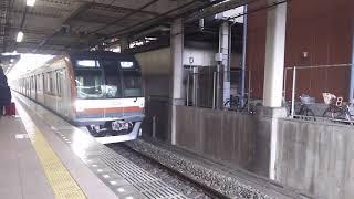 ちょっとレア? 朝霞駅1番線に東京メトロ10000系が入線