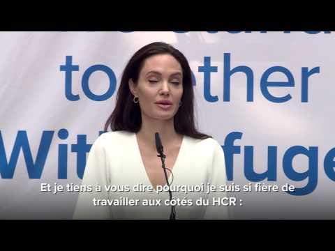 Angelina Jolie durant son allocution au personnel du HCR à Genève.