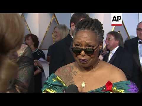 UPDATED: Mary J Blige had no hesitation to speak with Ryan Seacrest on the Oscars carpet, Whoopi Gol