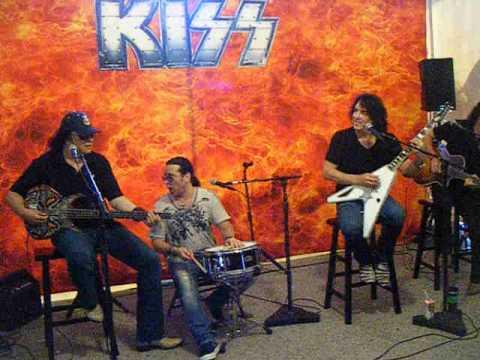 KISS - Strutter - Meet and Greet Private Set Tampa ,FL 7-28-2012