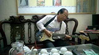Tiếng đàn bầu  guitar Hà Ân