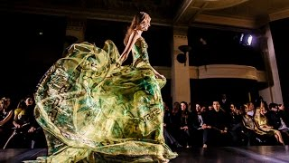 Download Video Atelier Versace Fall Winter 2012 MP3 3GP MP4