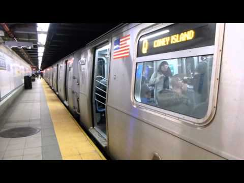 BMT Broadway Line: R160B Siemens Q Train at 28th St-Broadway (Weekend)