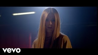 Смотреть клип Becky Hill - Rude Love