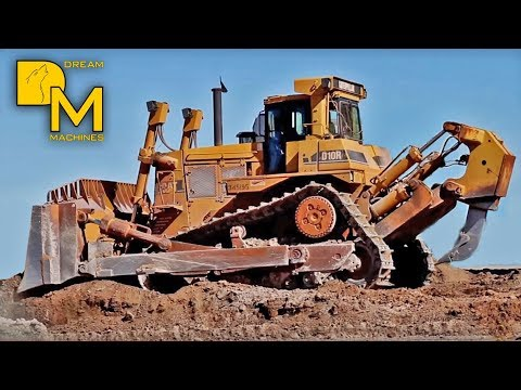 AWESOME CATERPILLAR D10 DOZER PUSHING DIRT DOWNTOWN # GIANT BULLDOZER RIPPING OFF GROUND